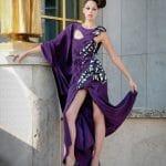 Mannequin en robe violette photographié à Paris au Trocadéro par Ludovic Leclercq.