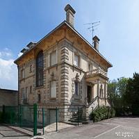 Immeuble en pierre de Chantilly photographié par Ludovic Leclercq, photographe dans l'Oise.